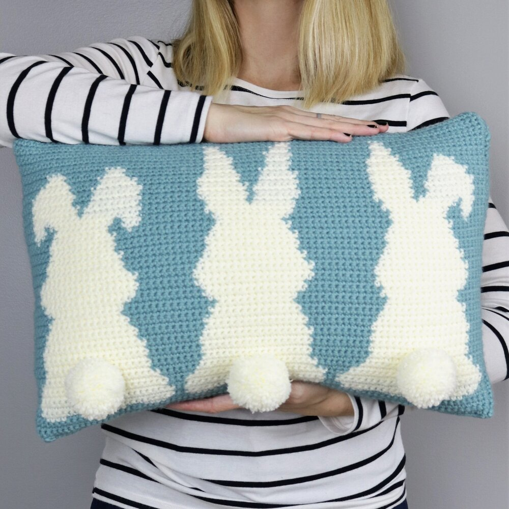 FREE PATTERN: Learn How to Make An Adorable Original Easter Pillow!