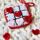 Free Valentine's Day Crochet Pattern – Tic Tac Toe on the Go