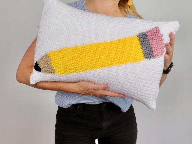 Free Teacher Gift – Pencil Pillow Crochet Pattern